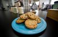 祖父の遺灰入りクッキー、女子生徒が級友に配布 米加州