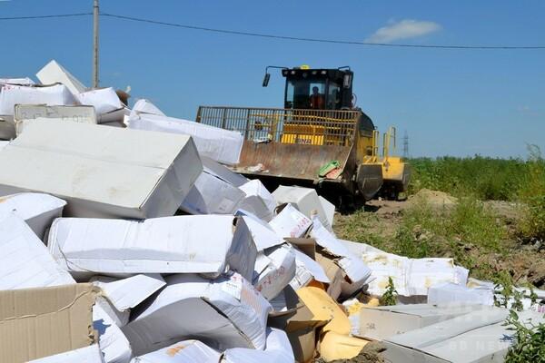欧米産食品をブルドーザーで処分、プーチン露大統領が全廃棄令