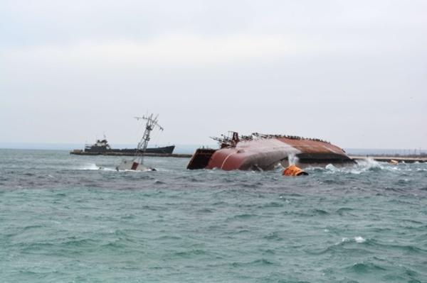 クリミア半島奪取でロシアの得た勘定と失った感情