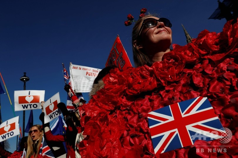 メイ首相にまた打撃 英議会、EU離脱方針を否決