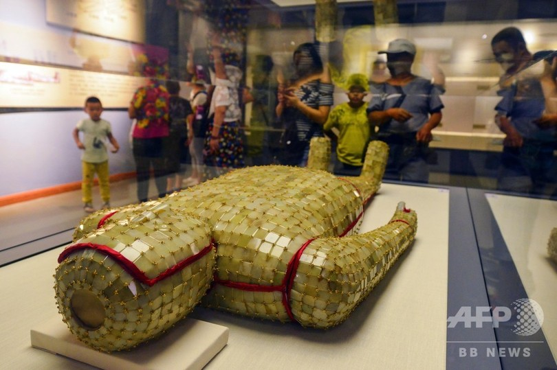 漢代の「金縷玉衣」新疆で展示 解憂公主がテーマ