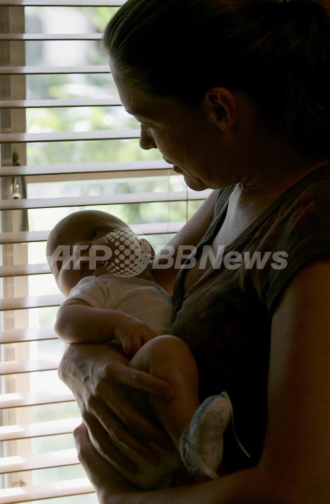 赤ちゃんの頭部を切断、遺体食べた母親を逮捕 米テキサス