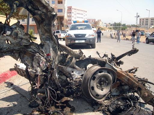 アルジェリアで2件の自動車爆弾攻撃、12人が死亡