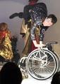「見せ物の何が悪い」障害超えたエンターテイナーに拍手喝さい 東京