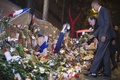 安倍首相ら各国首脳、パリのテロ現場で犠牲者追悼