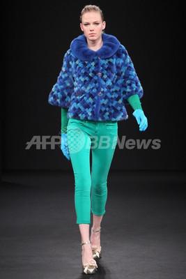 <11/12年秋冬東京コレクション>ロイヤル チエ、チャリティー ファッションショー開催
