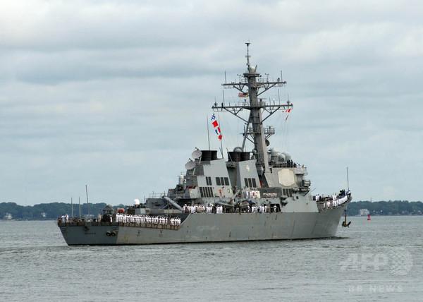 米駆逐艦がイラン艦艇に警告射撃、ホルムズ海峡で異常接近