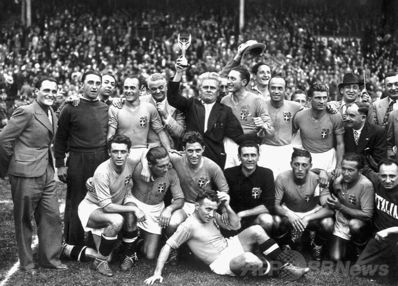 イタリアが大会連覇―1938年W杯フランス大会 写真1枚 国際ニュース ...