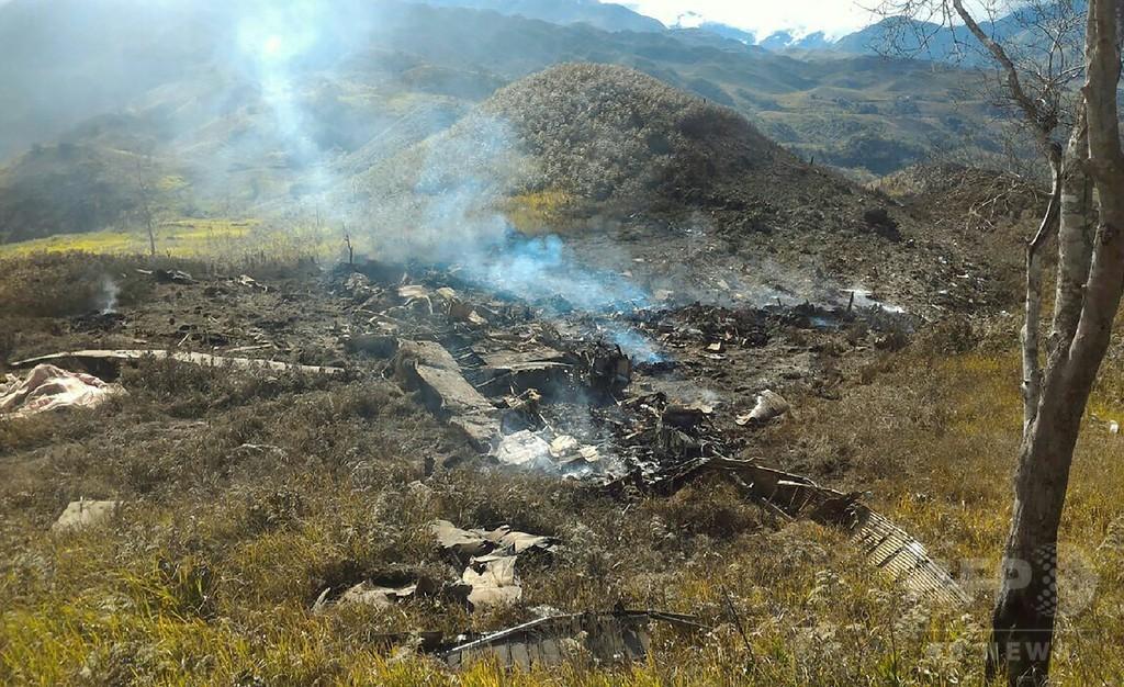 インドネシアで軍輸送機が墜落、13人死亡