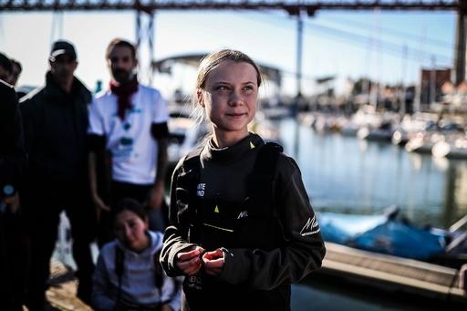 グレタさん、ヨットで大西洋横断しポルトガル到着 COP25参加へ