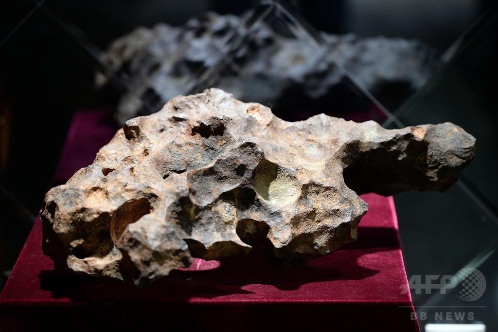 隕石に情熱を燃やす中国富裕層、市場高騰の要因に