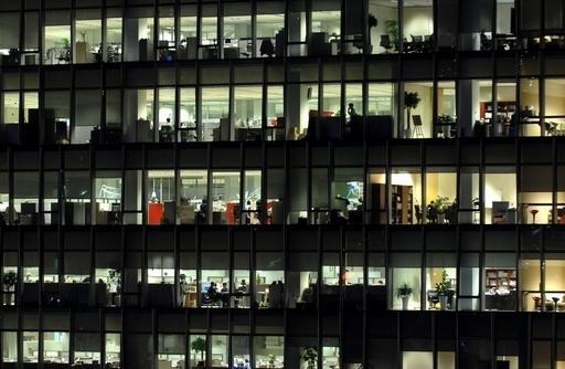 長時間労働でうつ病リスクが2倍以上に、英研究