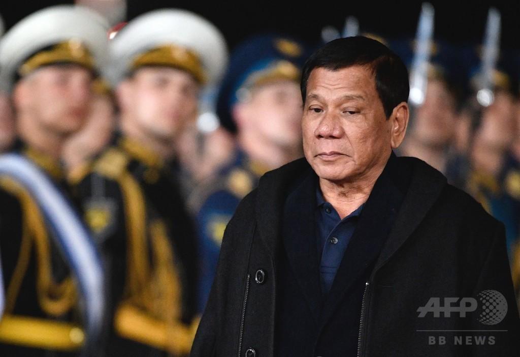 フィリピン大統領、南部ミンダナオに戒厳令 1年続く可能性に言及
