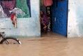 ネパールとインドで洪水や地滑り、94人死亡 モンスーン被害拡大
