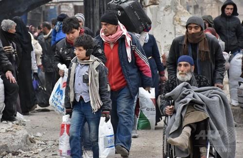 アレッポ「巨大な墓場」と化す恐れ 国連当局者が警告 5万人超避難
