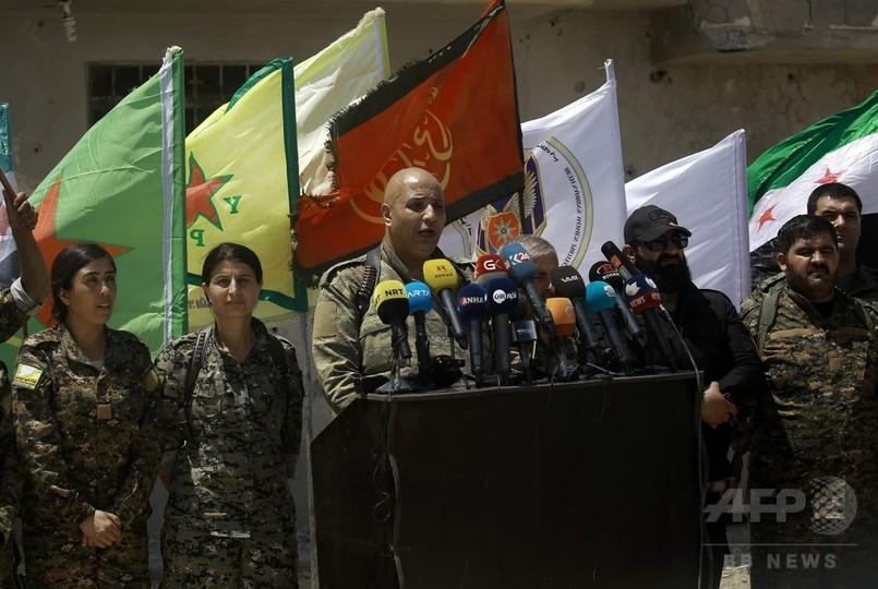 米支援のシリア民主軍、IS「首都」奪取の戦闘開始 ラッカ市内に進攻