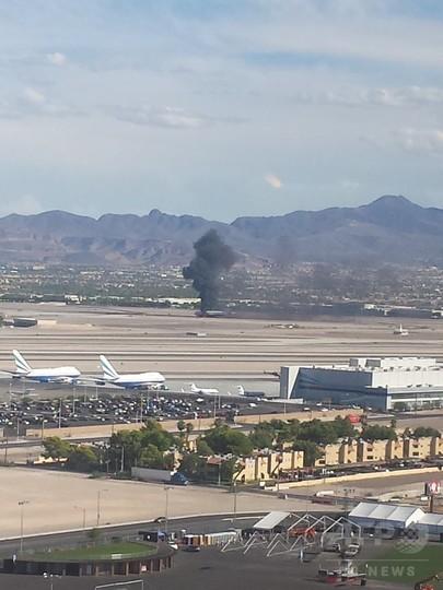 米ベガスの空港で英旅客機炎上、乗客避難 7人軽傷