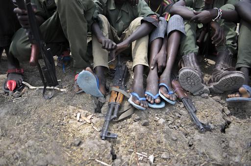 中央アフリカの武装勢力、少年兵ら350人を解放 ユニセフ