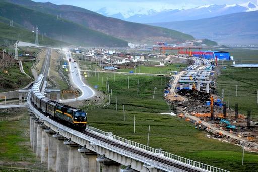 勤務地は標高4000m超、青海チベット鉄道を支える列車医療隊