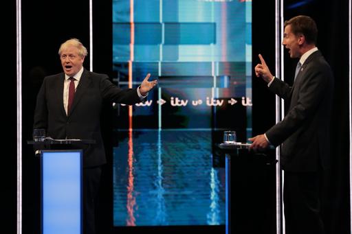 英首相候補がテレビ討論、ハント氏、ジョンソン氏の「盲目的な楽観主義」を批判