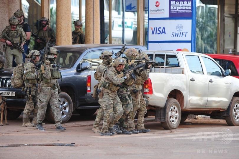 イスラム過激派、オーストラリア人2人を誘拐 ブルキナファソ