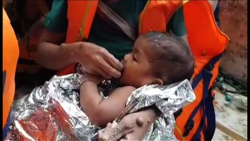 動画:ダム決壊のラオスで乳児救出の映像 タイ洞窟の救助班