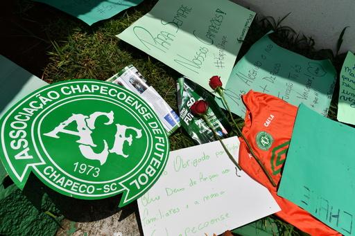 シャペコエンセを乗せた旅客機の墜落は「事故でなく殺人」 ボリビア国防相が操縦士を批判