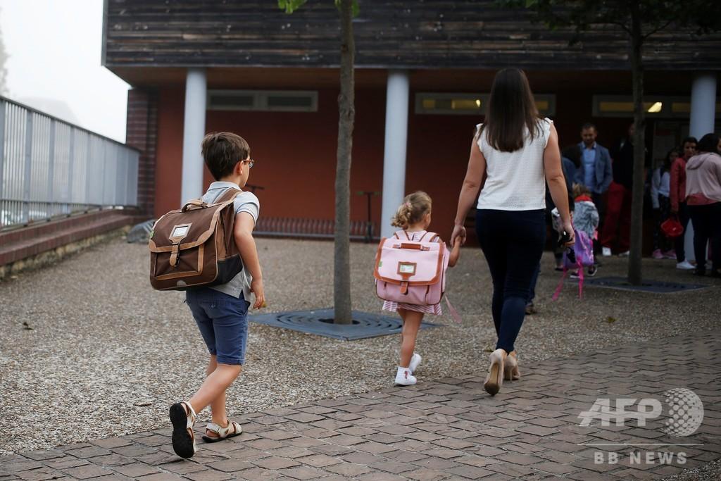 世論を変えられるか、フランスで子どもへの体罰禁止法案が審議入り