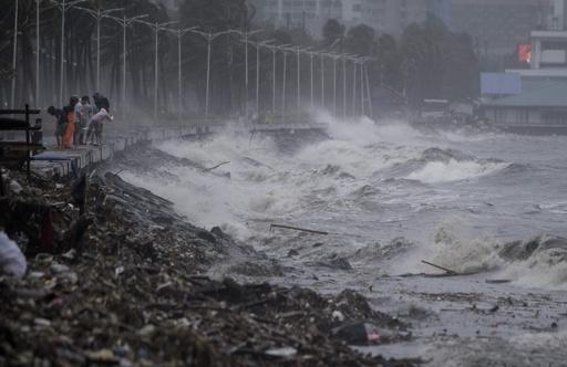 超大型台風22号で初の犠牲者 フィリピンで4人死亡、10万人超が避難