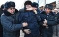 キルギスで反中国デモ 経済的影響力の増大に抗議、21人逮捕