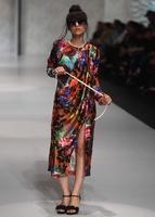パキスタンでファッションショー、地元デザイナーらが新作