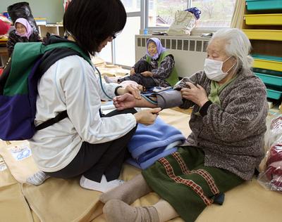避難所生活の継続によって懸念される被災者の健康 - 石川