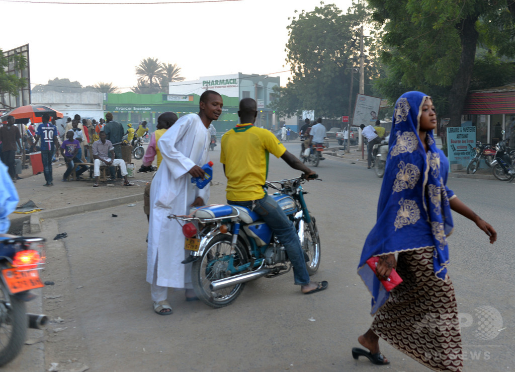 カメルーンで12歳少女が自爆攻撃、ナイジェリアでも女が自爆