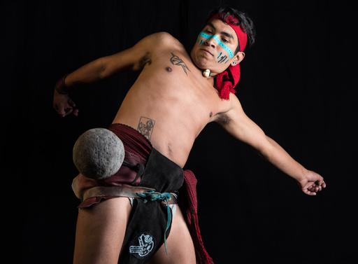 古代アステカの球技「ウラマ」 メキシコ市で500年ぶり復活