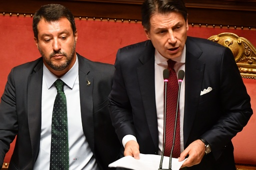 イタリアに政治空白 コンテ首相、サルビーニ内相批判し辞任