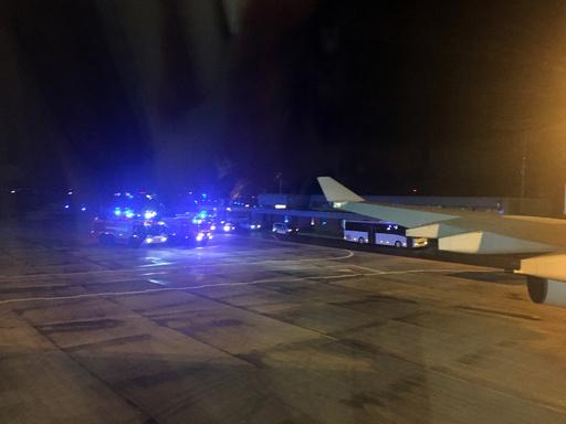 メルケル氏搭乗機が緊急着陸、G20遅刻へ 離陸後に技術的問題