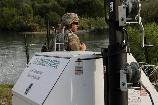 米国防総省、国境への兵配備を延長へ 任務拡大も