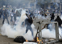反政府デモ続くベネズエラ、大統領が南米各国に会合呼び掛け