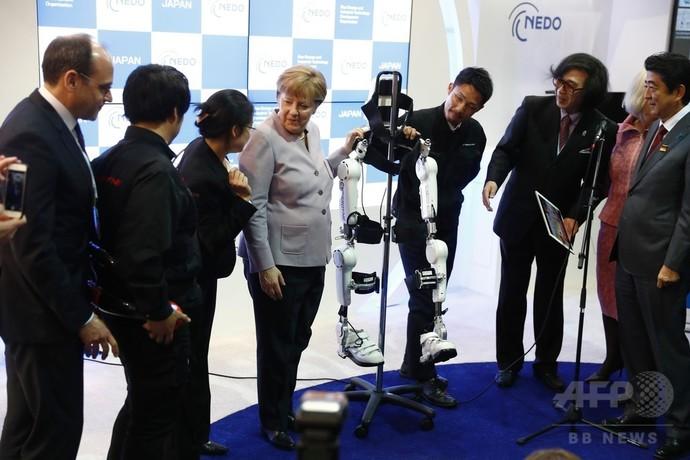 安倍首相、独CeBIT出席 「開かれた体制守る」