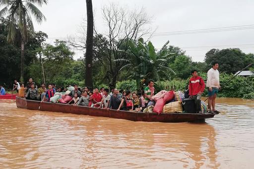 ラオスのダム決壊、17人の遺体収容 行方不明者の数把握できず