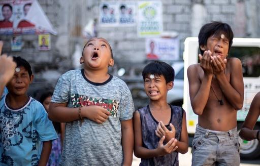 「変顔」コンテスト?ではなくて聖リタの祭り フィリピン