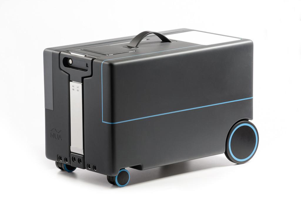 持ち主を追いかけるスマートスーツケース、近く登場か