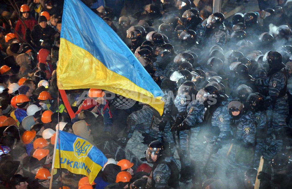 ウクライナ政権脅かす影の脅威、新興財閥