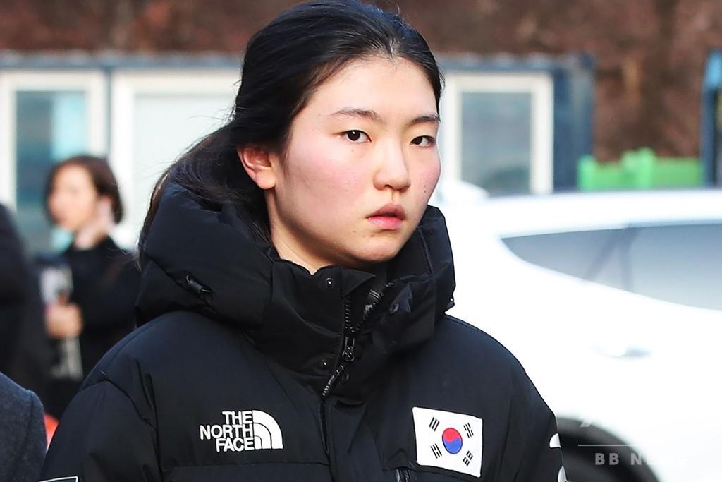 韓国 暴行