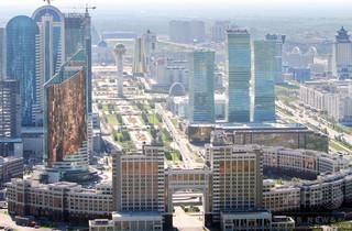 カザフスタンで軍基地など襲撃、...
