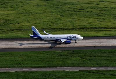 「操縦室で携帯電話充電しようと…」乗客を機内から追放 インド