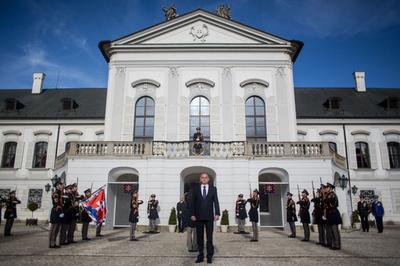 スロバキア大統領府に男が侵入、20分間建物内うろつく
