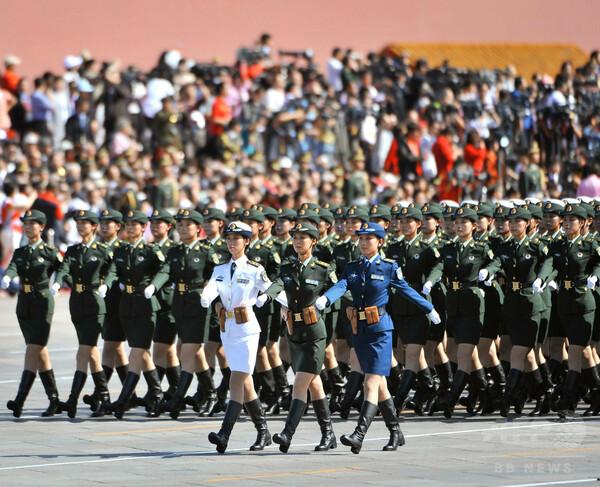 中国が軍事パレード開催へ、「日本を震え上がらせるため」 報道