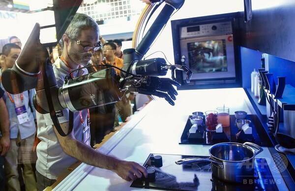 自動運転から料理まで、最新機器が勢揃い アジア初のCES