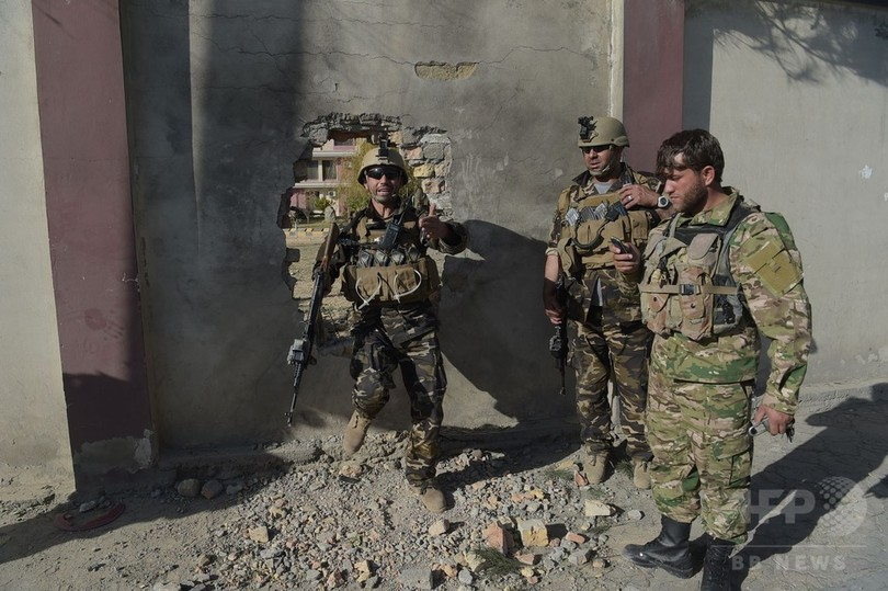 アフガンでTV局襲撃、25人死傷も...
